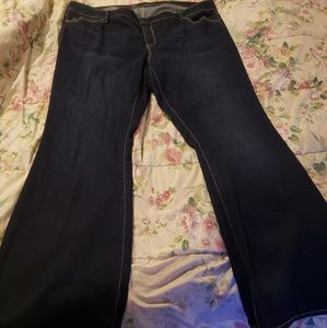 Denim - Old navy mid rise rockstar flared jeans